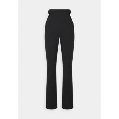 ミスガイデッド カジュアルパンツ レディース ボトムス CUT OUT STRAIGHT LEG TROUSER - Trousers - black