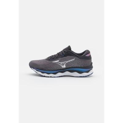 ミズノ シューズ メンズ ランニング WAVE SKY 5 - Neutral running shoes - blackened pearl/silver/violet blue
