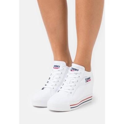 トミージーンズ レディース 靴 シューズ WEDGE - Trainers - white