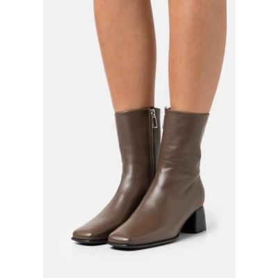 レディース 靴 シューズ EILEEN BOOT - Classic ankle boots - grey taupe