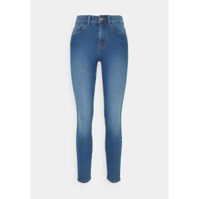 ピーシーズ レディース デニムパンツ ボトムス PCPEGGY MID WAIST - Jeans Skinny Fit - medium blue denim medium blue denim