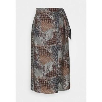 サンド コペンハーゲン レディース スカート ボトムス A-line skirt - pattern pattern