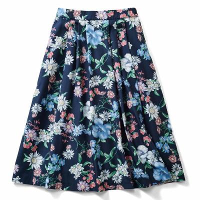 華やか柄でコーディネイトが着映えする花柄フレアースカート〈ネイビー〉 IEDIT[イディット] フェリシモ FELISSIMO