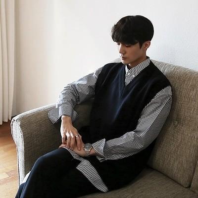MRCYC秋の男性はトップのセーターを着て、新しい韓国版のゆったりしたベストを着ます。