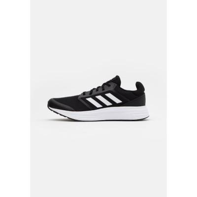 アディダス シューズ メンズ ランニング GALAXY  - Neutral running shoes - core black/footwear white