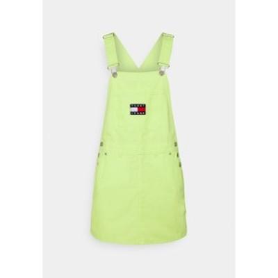 トミーヒルフィガー レディース ワンピース トップス DUNGAREE DRESS - Day dress - faded lime faded lime