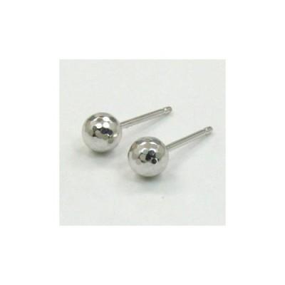 18金ホワイトゴールド 丸玉5mmミラーカットピアス(0.9mm芯・シリコンキャッチ付き) (B308D-WG)-TK