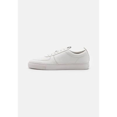 グレンソン スニーカー メンズ シューズ Trainers - white