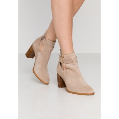 ジン ブーツ&レインブーツ レディース シューズ Ankle boots - beige