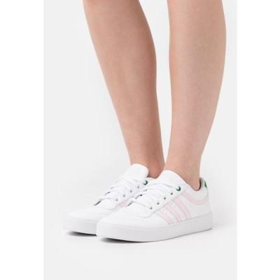アディダス レディース 靴 シューズ BRYONY - Trainers - footwear white/clear pink/green
