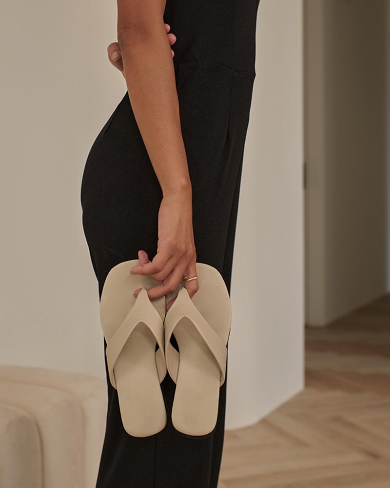 質感皮革厚底夾腳拖鞋-Mercci22