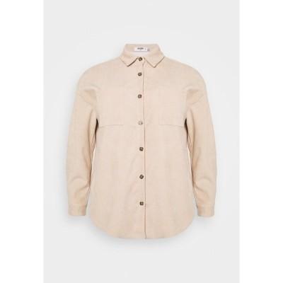 ミスガイデッド シャツ レディース トップス PLUS MINI BUTTON RAW HEM - Button-down blouse - cream
