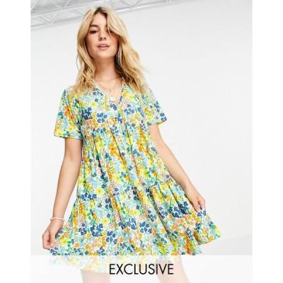 ウェンズデーガール ミニドレス レディース Wednesday's Girl mini smock dress with tiered skirt in summer floral エイソス ASOS ホワイト 白