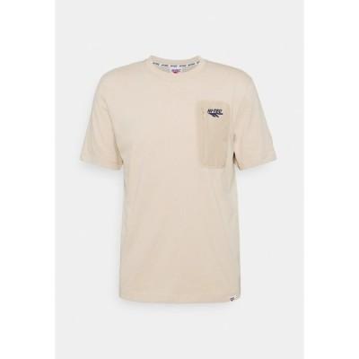 ハイテック Tシャツ メンズ トップス AMOS - Basic T-shirt - humus