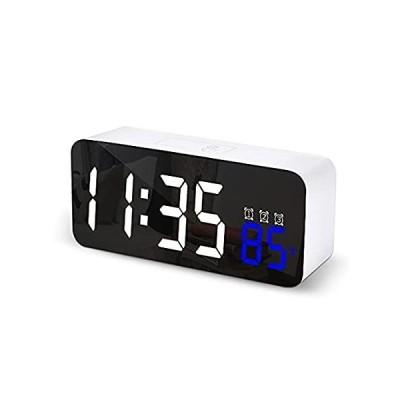デジタル目覚まし時計 寝室用 電子LED時刻表示 3段階アラーム設定 簡単設定 12/24時間 温度スヌーズ ベッドサイド時計 サウンドセンサー内蔵