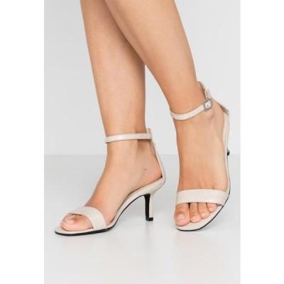 レディース 靴 シューズ AMANDA - Sandals - offwhite