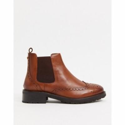 デューン Dune レディース ブーツ メダリオン チェルシーブーツ シューズ・靴 Flat Brogue Detail Chelsea Boots In Tan Leather タンレ