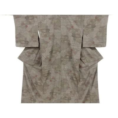 未使用品 仕立て上がり 重要無形文化財本場結城紬100亀甲道長取に楓・松竹梅模様織り出し着物