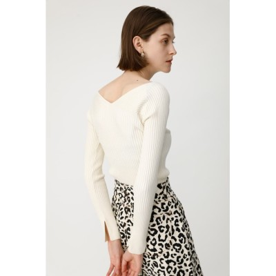 LOW NECKED LONG SLEEVE ニット
