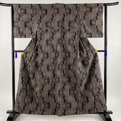 紬 美品 秀品 華文 幾何学 焦茶色 袷 身丈160cm 裄丈62.5cm S 正絹 中古