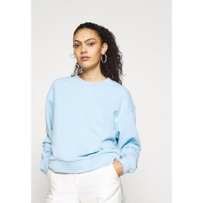 ウィークデイ パーカー・スウェットシャツ レディース アウター HUGE CROPPED - Sweatshirt - light blue