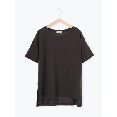 ポケット付ゆるVネックTシャツ
