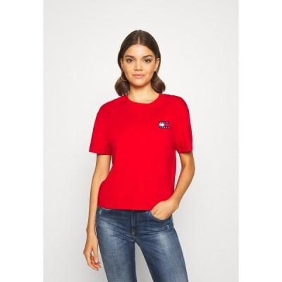 トミーヒルフィガー Tシャツ レディース トップス BADGE TEE - Basic T-shirt - deep crimson
