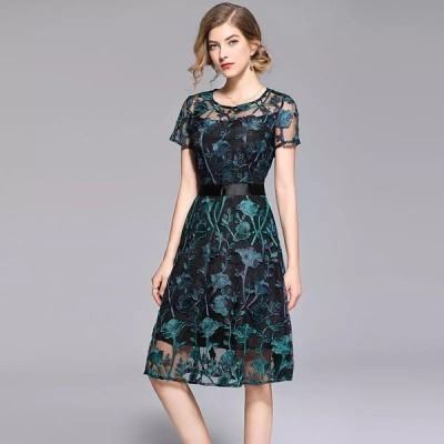 ヴィンテージ花刺繍ドレス 膝丈 A ラインエレガントな女性のドレス