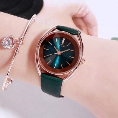 私は新しいファッション光高級ダイヤモンド時計女性フランスのニッチイン風女性時計人格レディース腕時計