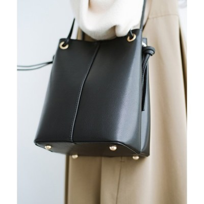 【ハコ】きれいめにもカジュアルにも気分に合わせて紐を付け替え! 2WAYで楽しめるシンプルミニトートバッグ