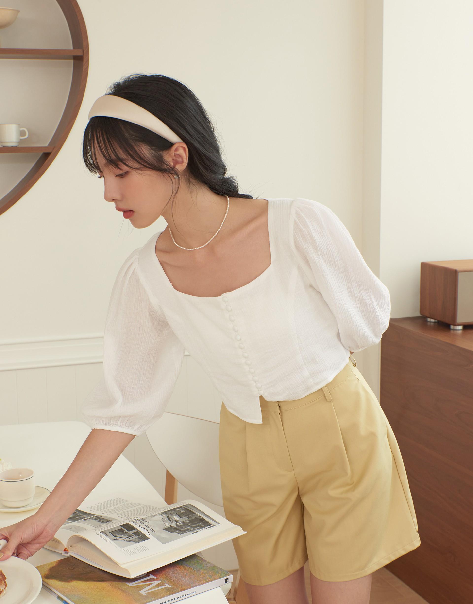 優雅方領排釦造型上衣-PAZZO