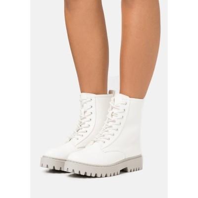 エブンアンドオッド ブーツ&レインブーツ レディース シューズ Platform ankle boots - offwhite
