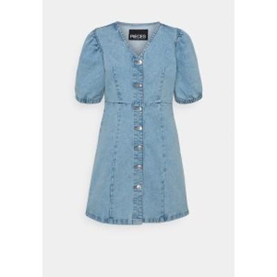 ピーシーズ プティ レディース ワンピース トップス PCGILI V NECK COLOURED DRESS  - Denim dress - light blue denim light blue denim
