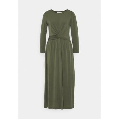 インウェア ワンピース レディース トップス VARUNIW - Jersey dress - beetle green