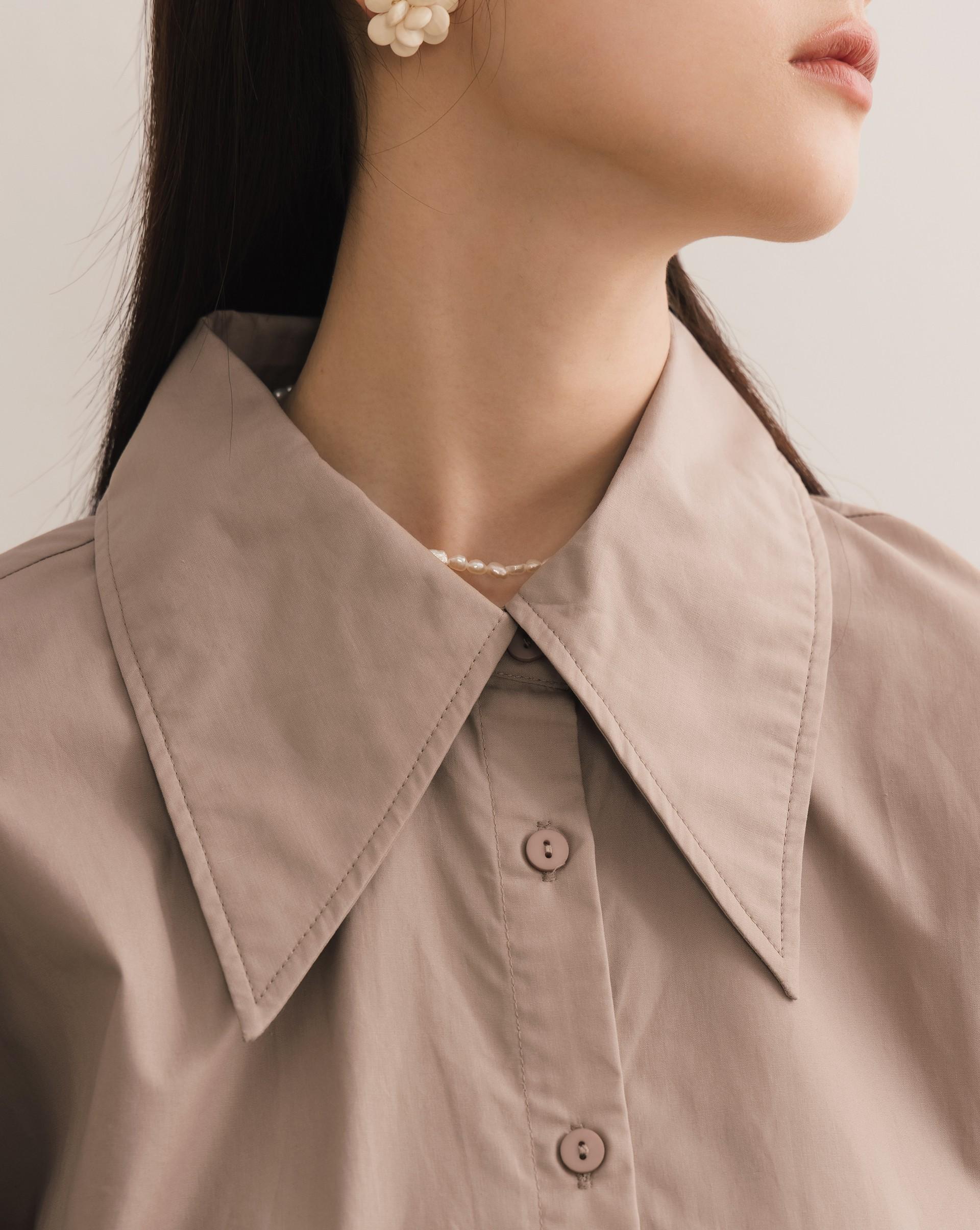 大尖領寬鬆感襯衫-Meierq