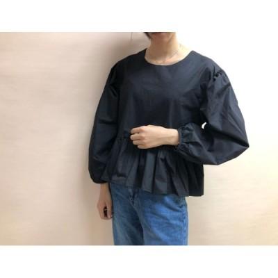 コットンでふわり  デザイン性が高く カワイイフリル  ゆったりした裾 体型カバー フリーサイズなレディースブラウス