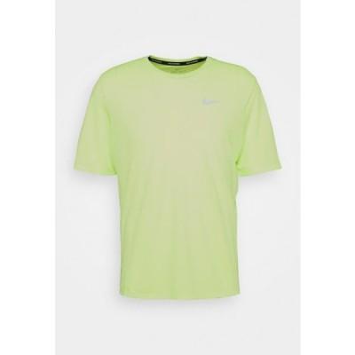 ナイキ メンズ スポーツ用品 MILER - Basic T-shirt - ghost green/reflective silver