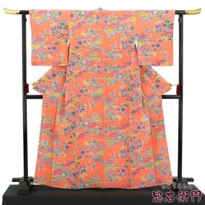 中古 鮮やかなオレンジの紅型小紋 リサイクル 正絹 レディース 裄65cm 着物 袷 ピンク 紅型 カジュアル 送料無料  あすつく対応