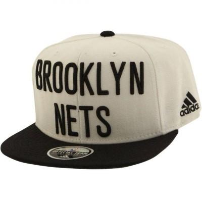 アディダス Adidas ユニセックス キャップ スナップバック 帽子 NBA Brooklyn Nets On Court Snapback Cap white/black
