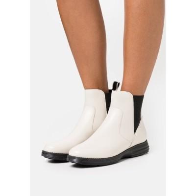 コールハーン ブーツ&レインブーツ レディース シューズ ORIGINALGRAND CHELSEA BOOTIE - Classic ankle boots - ivory/black