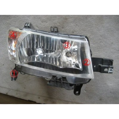 bB(QNC25)用ヘッドライト右 301002