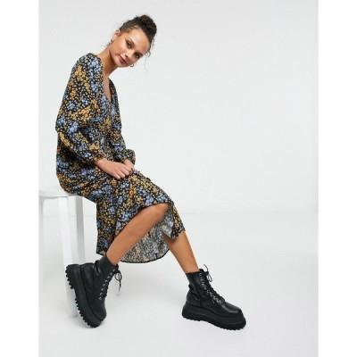 ニュールック レディース ワンピース トップス New Look square neck midi dress in floral Black pattern