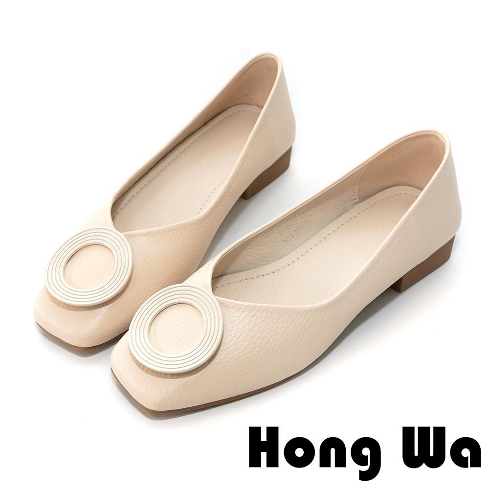 Hong Wa 氣質滿點‧圓扣素面V口設計低跟鞋 - 米白